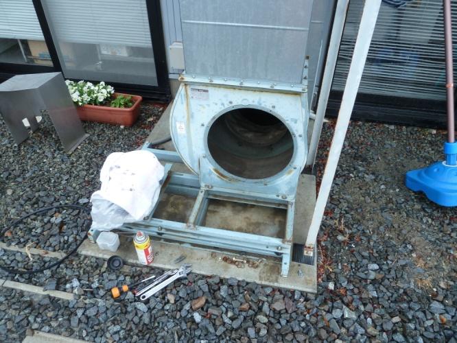 業務用フード換気扇の排気ファン分解清掃